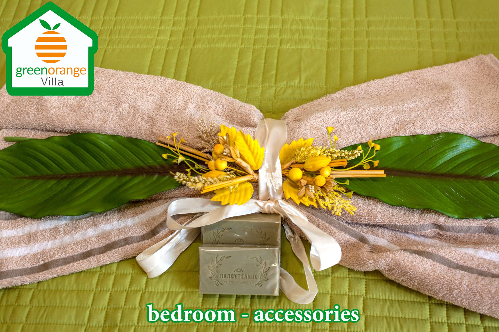 bedroom-accessory-green-orange-villa-crete-chania rental